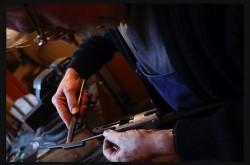Artisans du métal. Armurerie © S. Smets